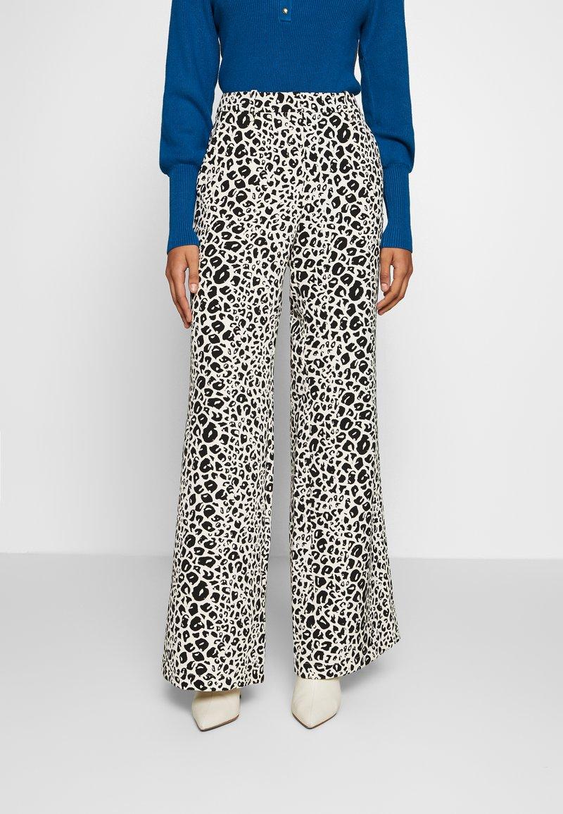 Fabienne Chapot - PUCK TROUSER - Trousers - black/offwhite