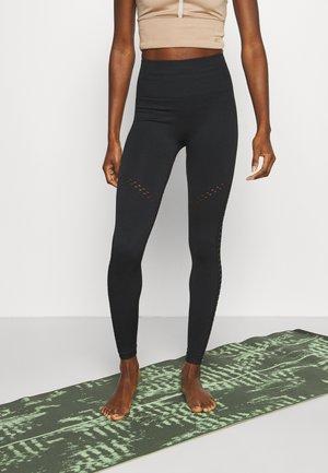 LEGGING SEAMLESS KARMA - Legging - black