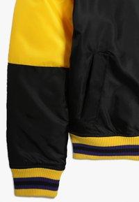 Outerstuff - NBA LOS ANGELES LAKERS THROW BACK VARSITY JACKET - Sportovní bunda - black/yellow - 2