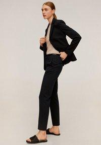 Mango - BOREAL - Spodnie materiałowe - dunkles marineblau - 3
