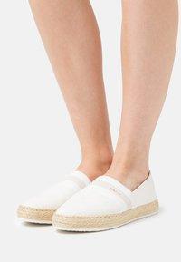 GANT - RAFFIAVILLE  - Loafers - offwhite - 0