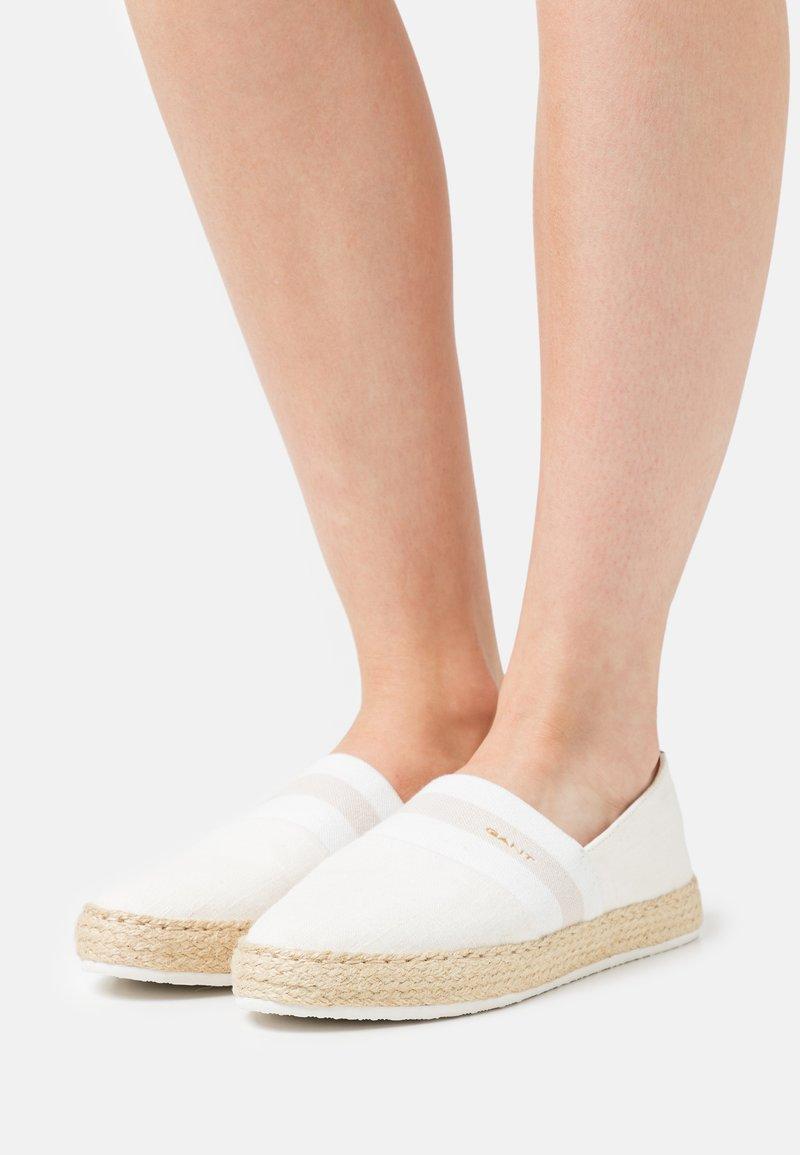 GANT - RAFFIAVILLE  - Loafers - offwhite