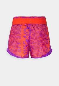 Nike Performance - AIR TEMPO SHORT - Short de sport - wild berry/team orange/silver - 1