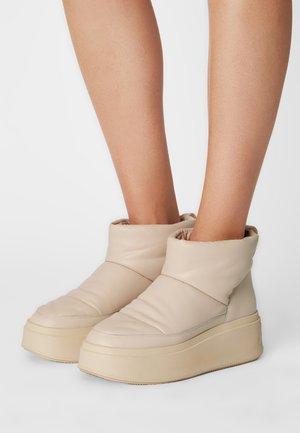 MAXI BIS - Winter boots - shell