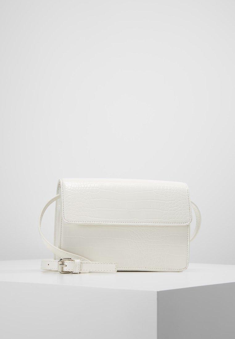 Pieces - Schoudertas - bright white