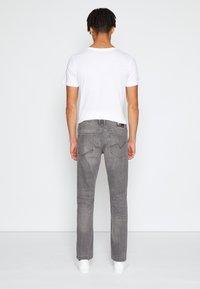 TOM TAILOR DENIM - STRAIGHT AEDAN STRETCH - Džíny Straight Fit - used mid stone grey denim - 2