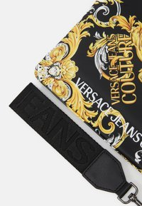Versace Jeans Couture - MEDIUM POUCH - Pochette - multicolor