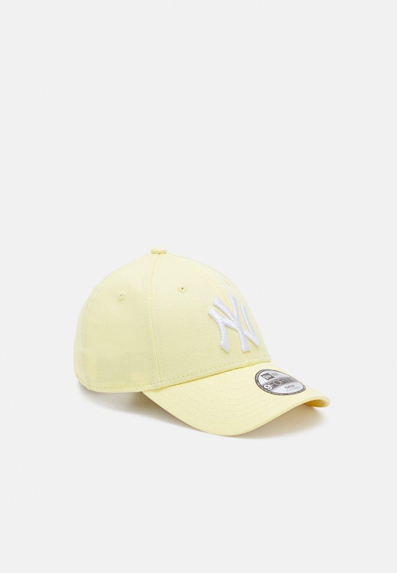 New Era - LEAGUE ESS UNISEX - Kšiltovka - light yellow