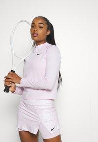 Nike Performance - Topper langermet - regal pink/black - 3