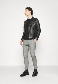 Esprit - Chino kalhoty - dark grey - 1