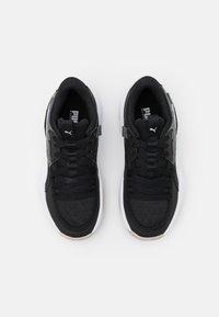 Puma - COURT RIDER JR UNISEX - Basketbalové boty - white/black - 3