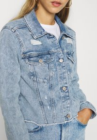 Hollister Co. - CROPPED JACKET - Denim jacket - blue denim - 5