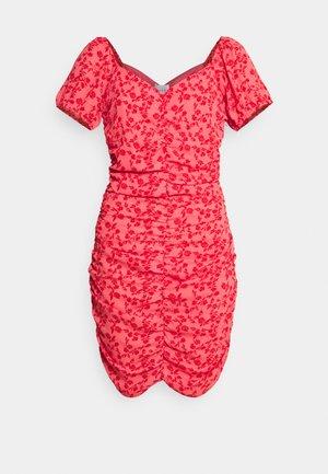 VIPHILLA RUCHED DRESS - Jurk - barberry/flower