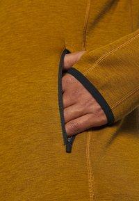 Icebreaker - MENS ELEMENTAL ZIP - Zip-up hoodie - curry - 7