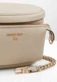 MICHAEL Michael Kors - SLING - Across body bag - light sand - 4