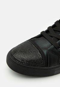Steve Madden - SPARKLER - Sneakersy wysokie - black - 5