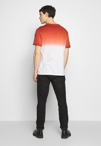 Pier One - T-shirt con stampa - red - 2