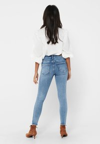 ONLY - ONLBLUSH LIFE - Jeans Skinny Fit - light blue denim - 2