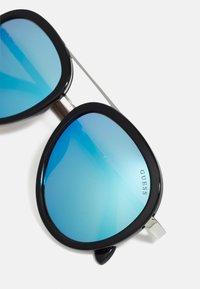 Guess - KIDS EYEWEAR UNISEX - Sluneční brýle - black - 4