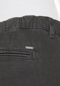 Pepe Jeans - CRUSADE - Cargobroek - charcoal - 4