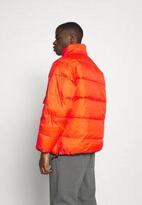 Carhartt WIP - JONES  - Zimní bunda - safety orange - 4