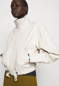 Proenza Schouler White Label - LIGHTWEIGHT DRAWSTRING WAIST JACKET - Leather jacket - ecru - 4