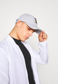 New Era - NFL PEANUTS  - Cap - grey - 3