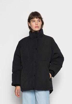 RELAXED PUFFER - Zimní bunda - black
