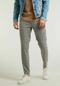 CHASIN' - Trousers - light grey - 0