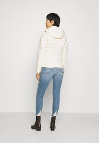 Abercrombie & Fitch - PACKABLE PUFFER POLY - Light jacket - white - 2