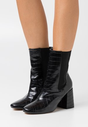 HIGH SHAFT CHELSEA BOOT - Enkellaarsjes met hoge hak - black