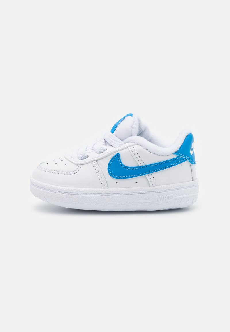 Nike Sportswear - FORCE 1 CRIB - Chaussures premiers pas - white/blue