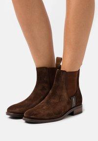 GANT - FAYY CHELSEA - Classic ankle boots - dark brown - 0