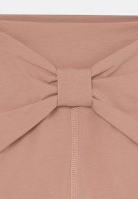 Müsli by GREEN COTTON - COZY ME PRETTY BABY - Trousers - dream blush - 2