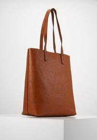 Anna Field - Shoppingveske - cognac - 2
