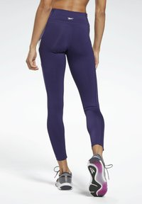 Reebok - MESH WORKOUT READY REECYCLED LEGGINGS - Leggings - purple - 2
