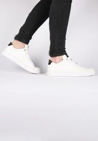 Blackstone - Sneakers laag - white - 3