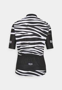 8848 Altitude - ELLA BIKE JUNGLE - T-Shirt print - zebra black - 1