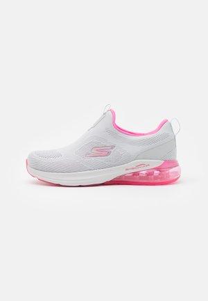 GO RUN AIR - Neutral running shoes - gray/pink