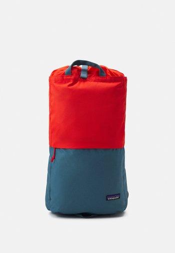 ARBOR LINKED - Rucksack - paintbrush red