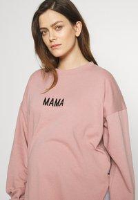 Missguided Maternity - MAMA - Bluza - rose pink - 3