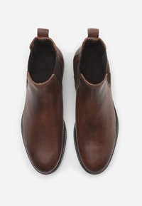 LAST STUDIO - STERLYN - Classic ankle boots - cognac - 3
