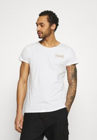 Tigha - VINTAGE EAGLE WREN - T-shirt med print - white - 2