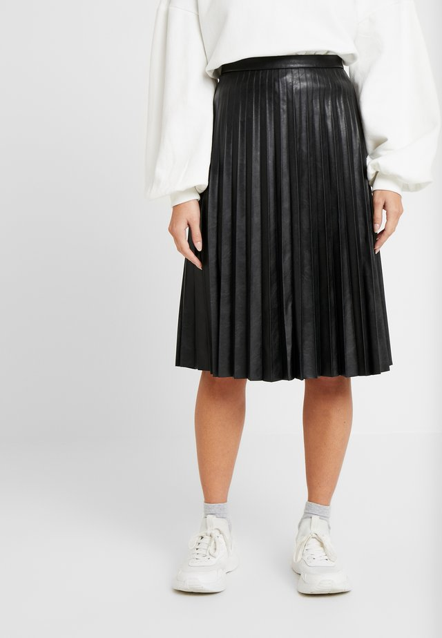 PLEATED MIDI SKIRT - Spódnica plisowana - black