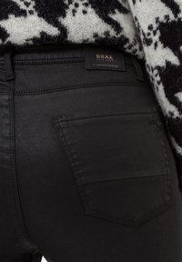 BRAX - STYLE SHAKIRA - Jeans Skinny Fit - clean black - 4