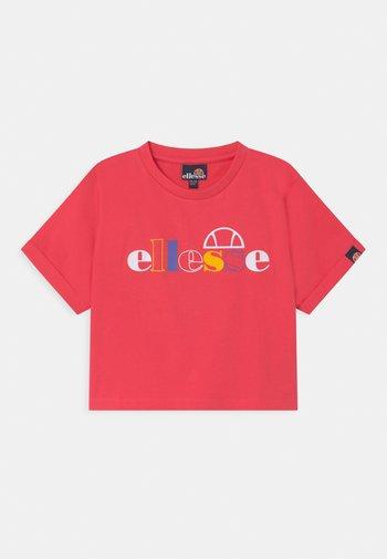 NATTIA - Print T-shirt - pink