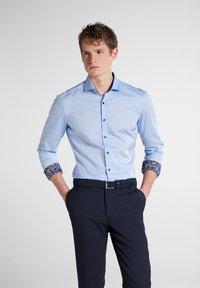 Eterna - SUPER SLIM - Formal shirt - hellblau - 0