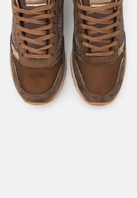 Pepe Jeans - DEAN NASS - Baskets basses - chocolate - 5