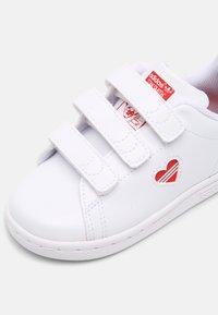 adidas Originals - STAN SMITH UNISEX - Trainers - white/vivid red - 6