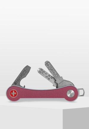 SWISS  - Nyckelringar - pink-frame